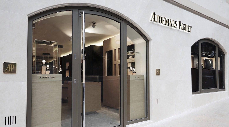 monaco--shopping-boutique-audemars-piguet-monaco-4-original-min