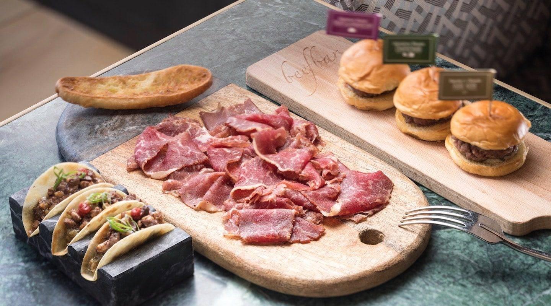monaco-restaurant-beef-bar-2018-08-8-full-resolution-min