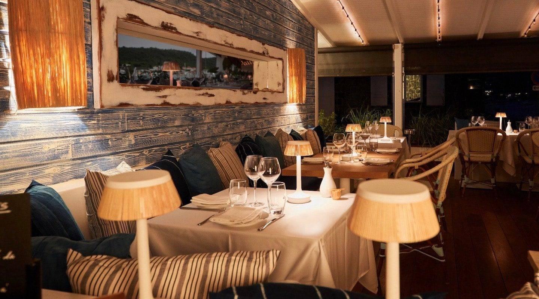 st-barth-restaurant-000a57ea-d9be-45ad-b53a-188066375b51-min